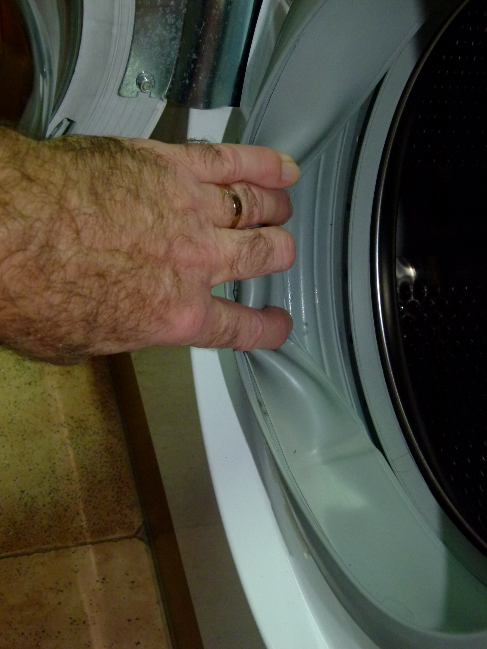 how to clean mold from washing machine drawer